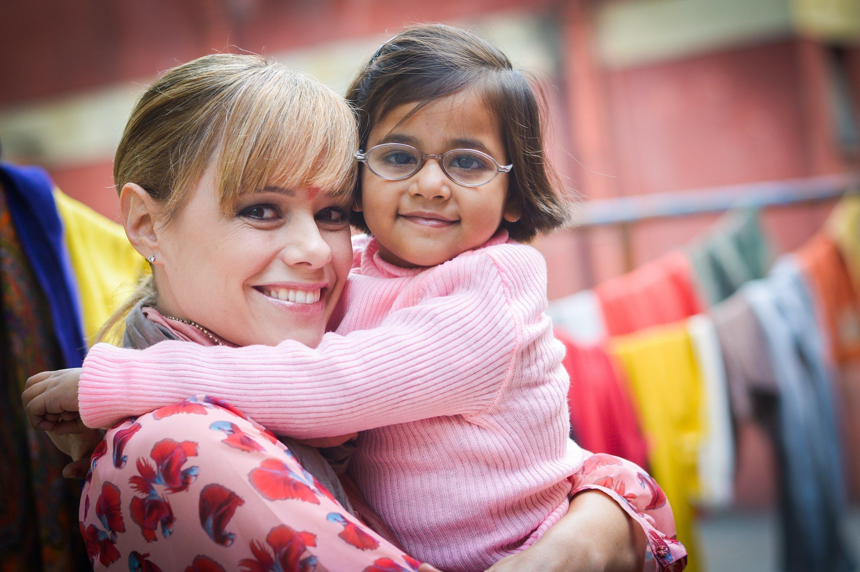 Francine Jordi visita SOS Villaggi dei Bambini nel 2014