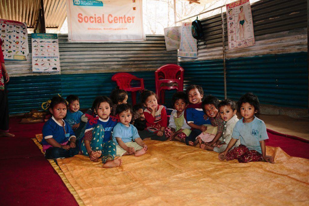 Bambini dell'asilo in Nepal.
