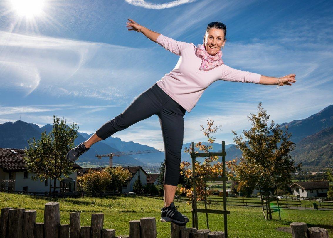Maria Walliser Anesini, ehemalige Skirennfahrerin und SOS-Kinderdorf Botschafterin an ihrem Wohnort Malans GR.