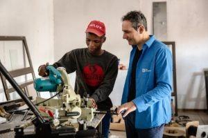 Madiba (17) con Alain Kappeler, direttore SOS Villaggi dei Bambini