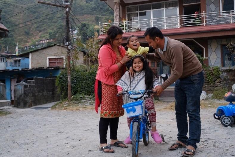I programmi di rafforzamento familiare aiutano le persone ad aiutare se stesse in tutto il mondo e in modo duraturo.