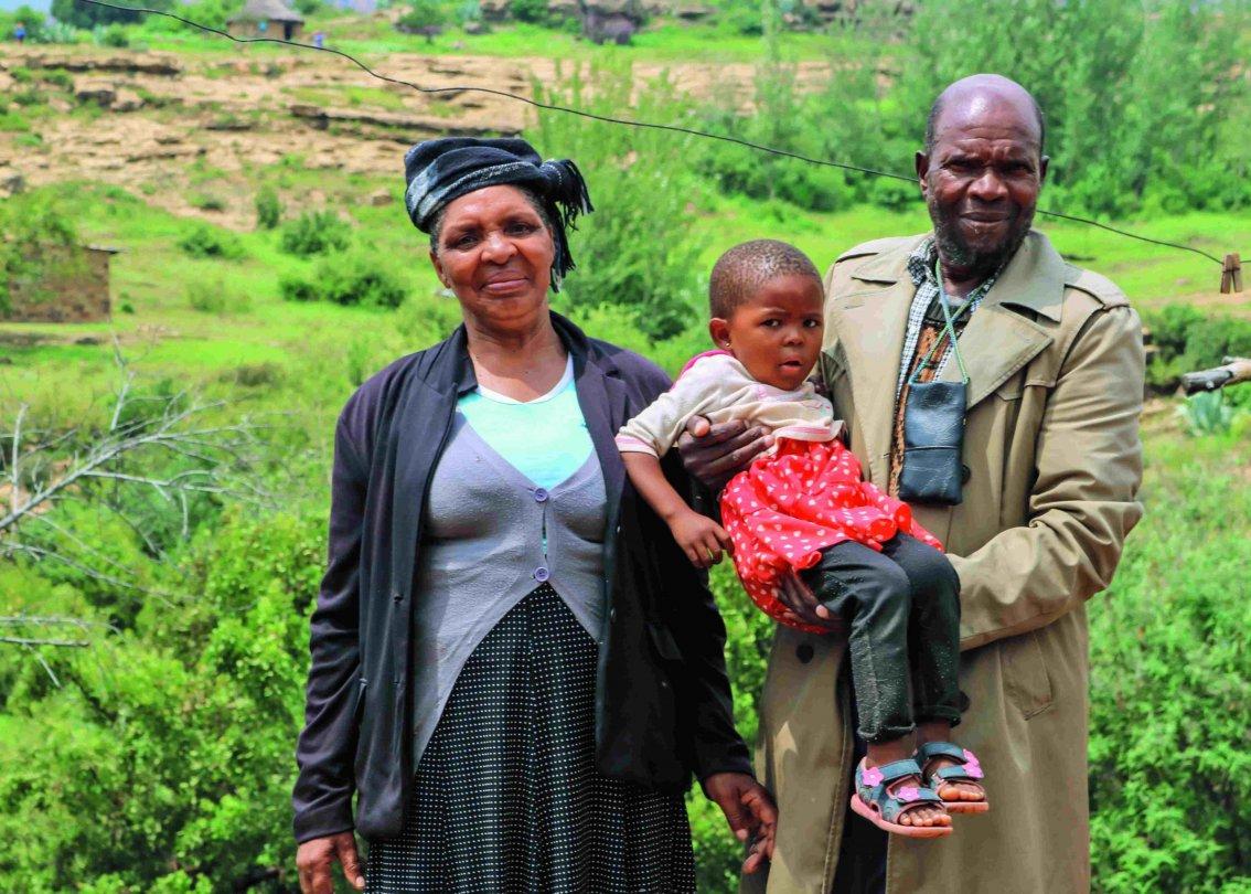 Lorato und ihre Geschwister leben dank Familienstärkung bei ihren Grosseltern.